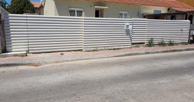 גדר מעוצבת לבית