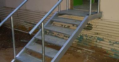 מעקות ומדרגות מתכת לפי מידות בהזמנה